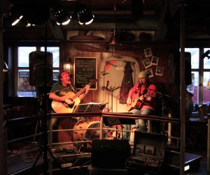 Onkel Tom & Huckleberry im Atlantic Pub