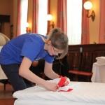 1. Seetel Azubi Casting: Betten machen