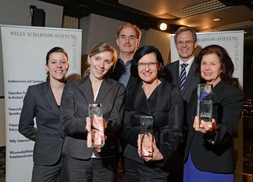 Die Preisträger des Willy Scharnow Preises 2013 - h.r.: Rolf Seelige-Steinhoff, v.r.: Jeanne Seelige-Steinhoff